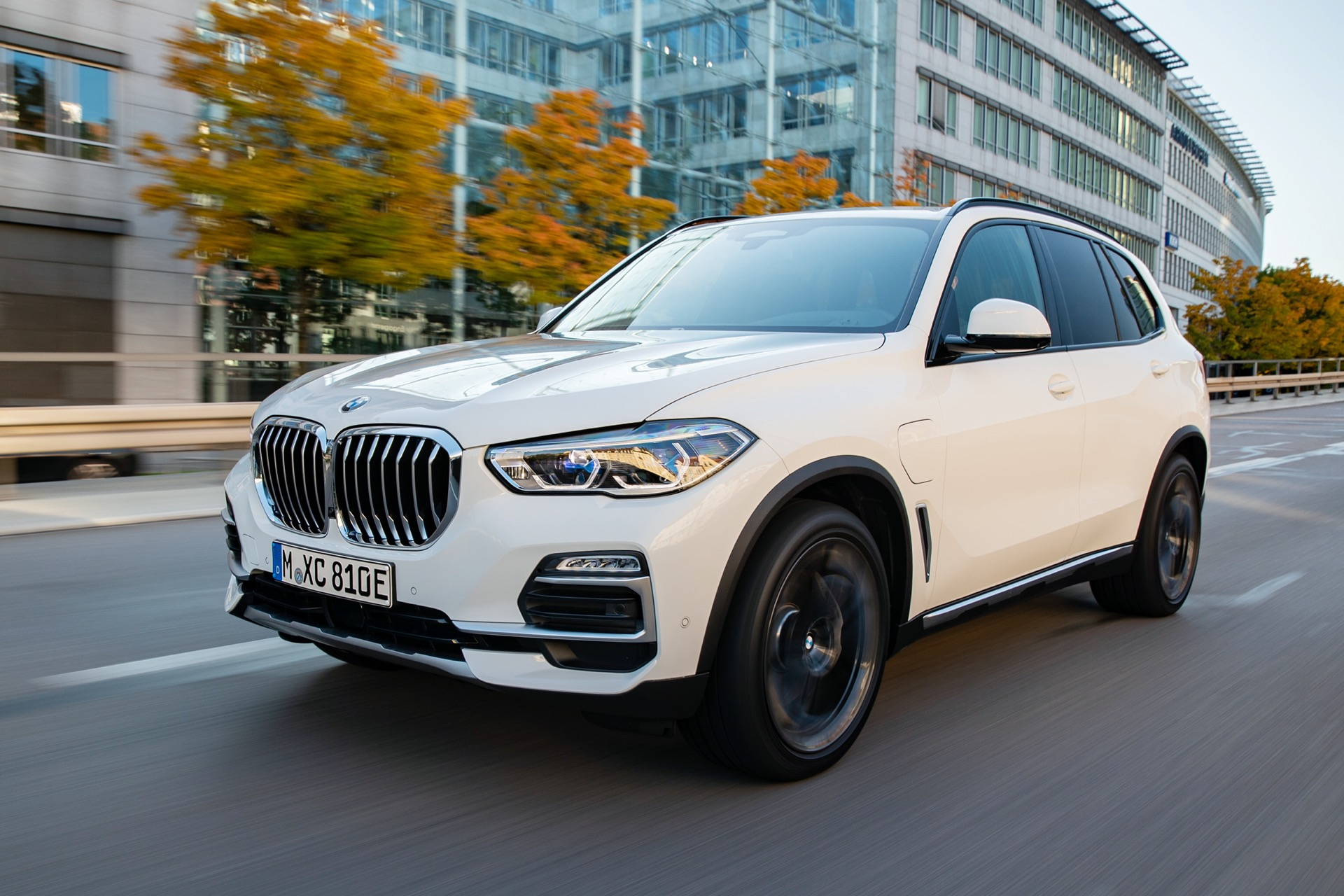 2021 BMW X5 plug-in hybrid SUV: More power, more than ...